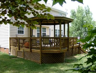 Deck designs with shade st louis decks screened for Deck with gazebo