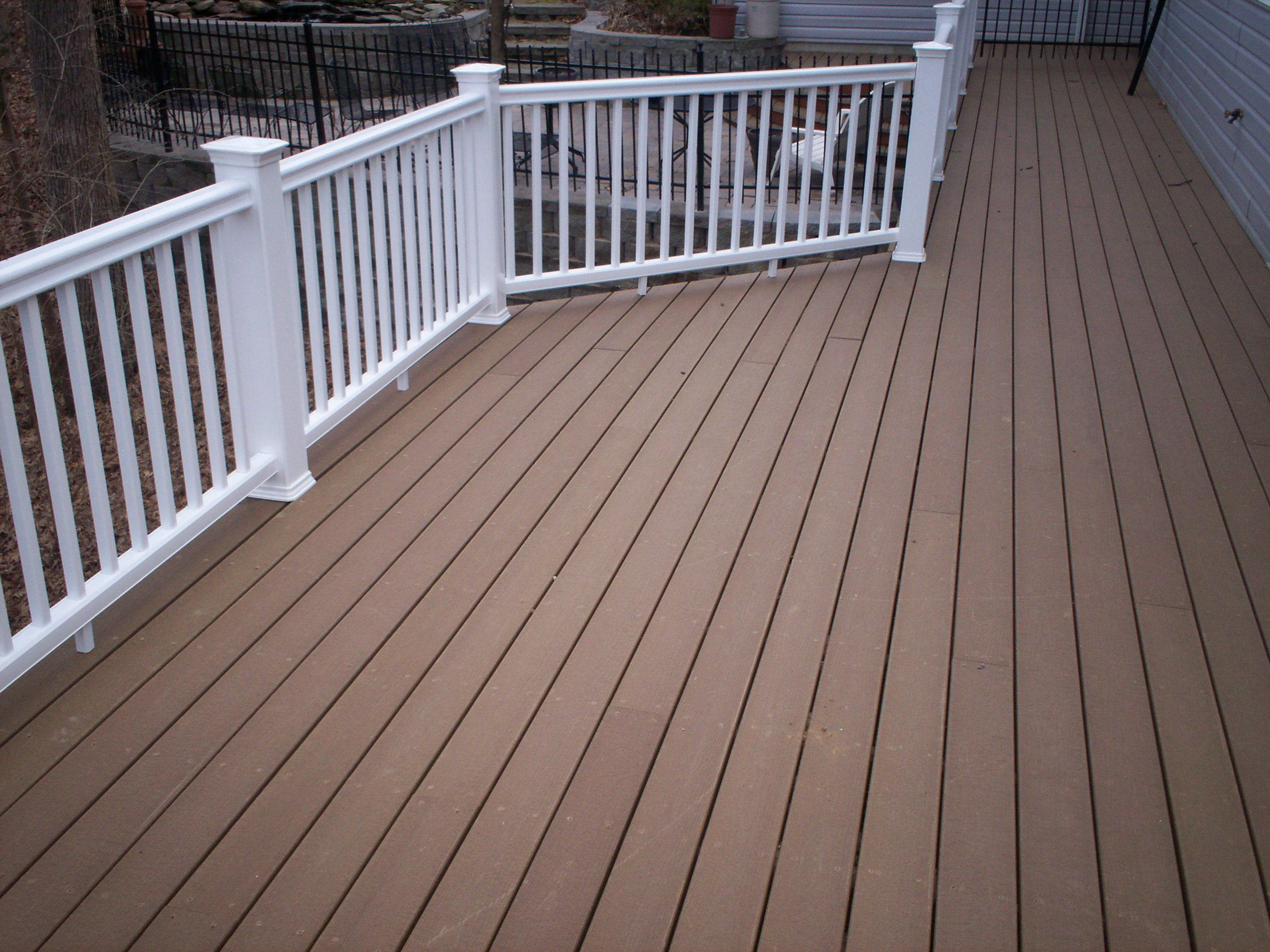 Decking materials best composite decking material 2011 for Composite deck railing