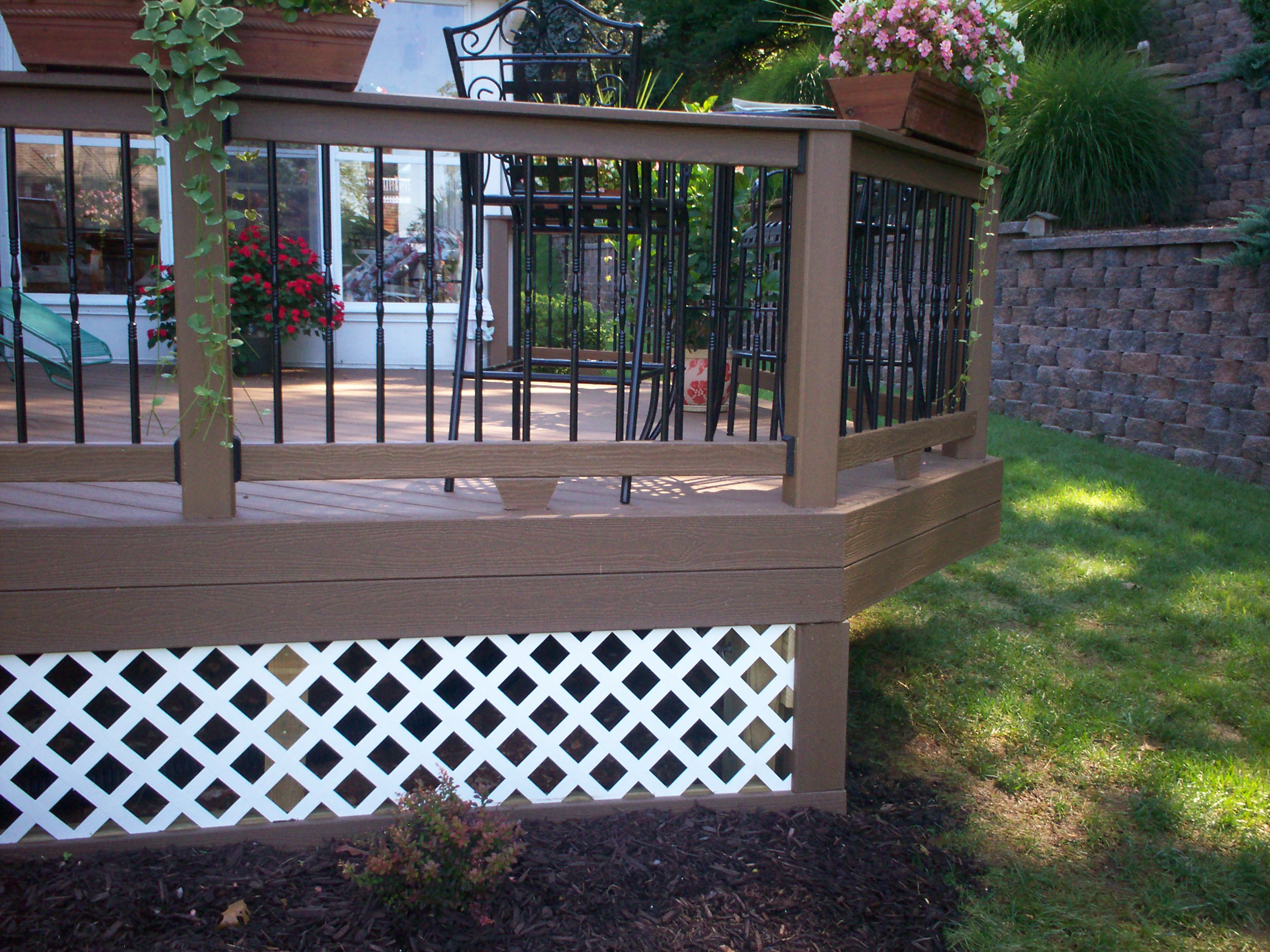Wood decks wood decks with lattice for Lattice ideas