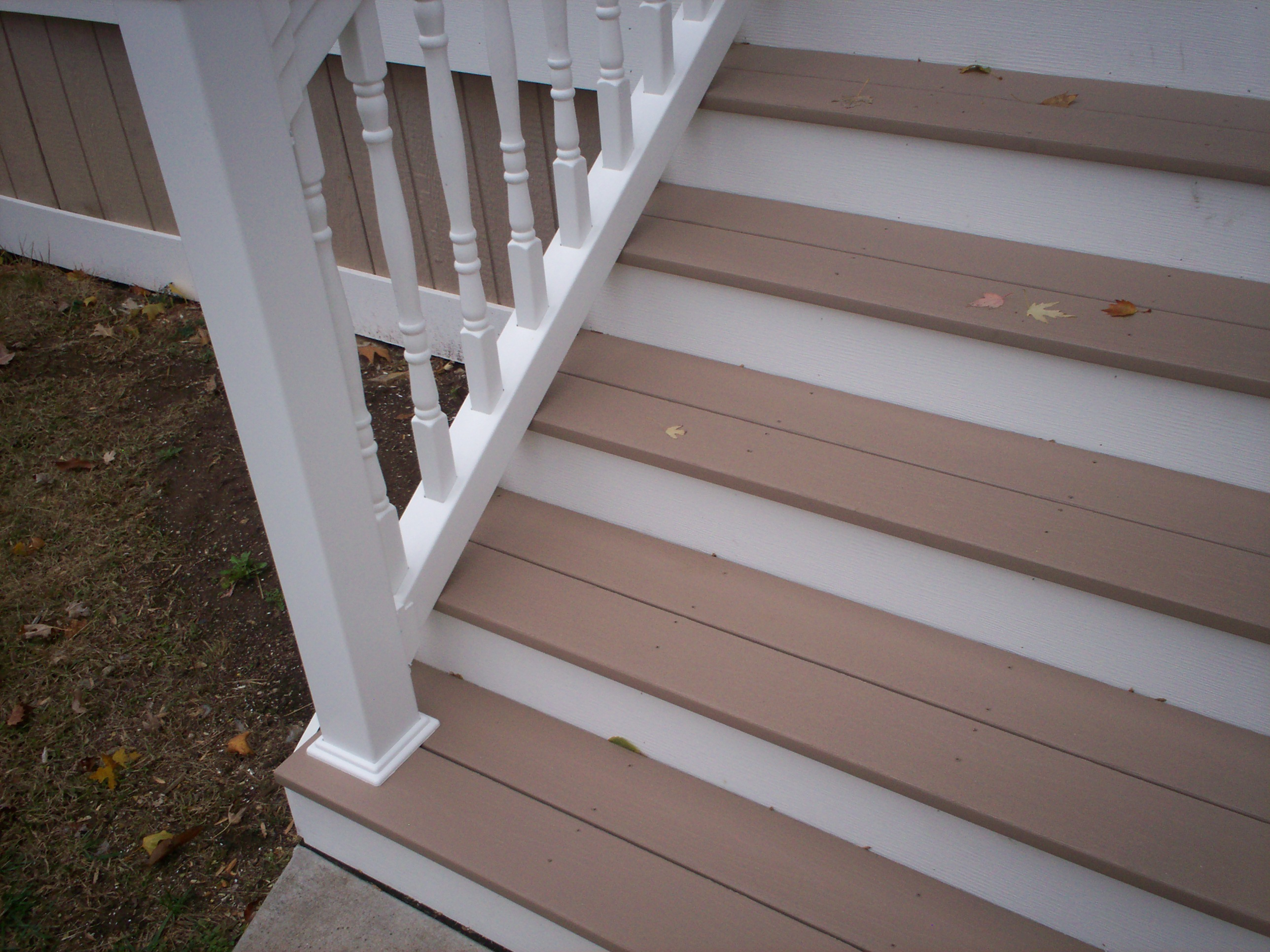 Azek Front Porch Stairs And Vinyl Railings With Columns In