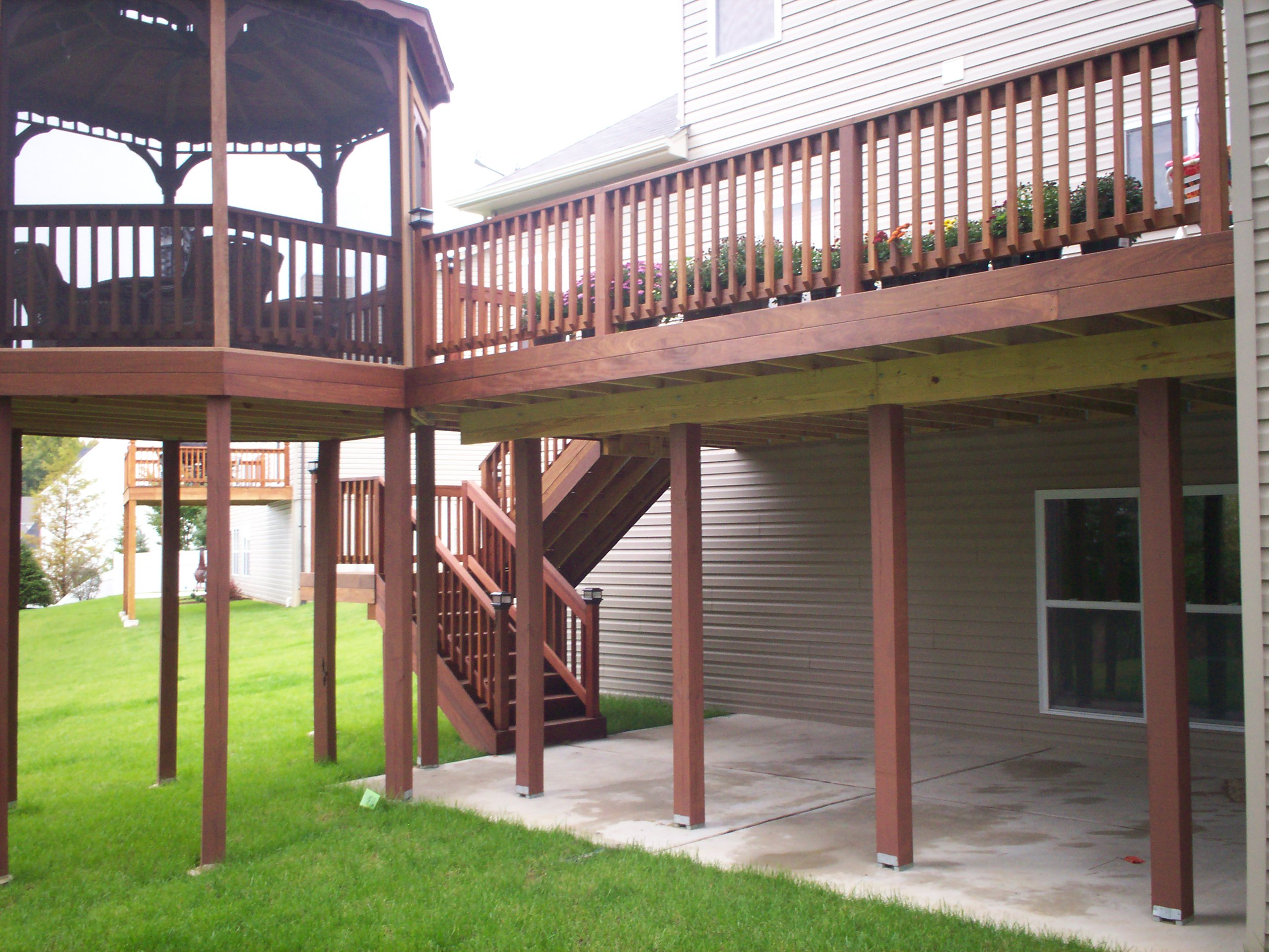 Deck And Screened Gazebo With Patio In St. Louis
