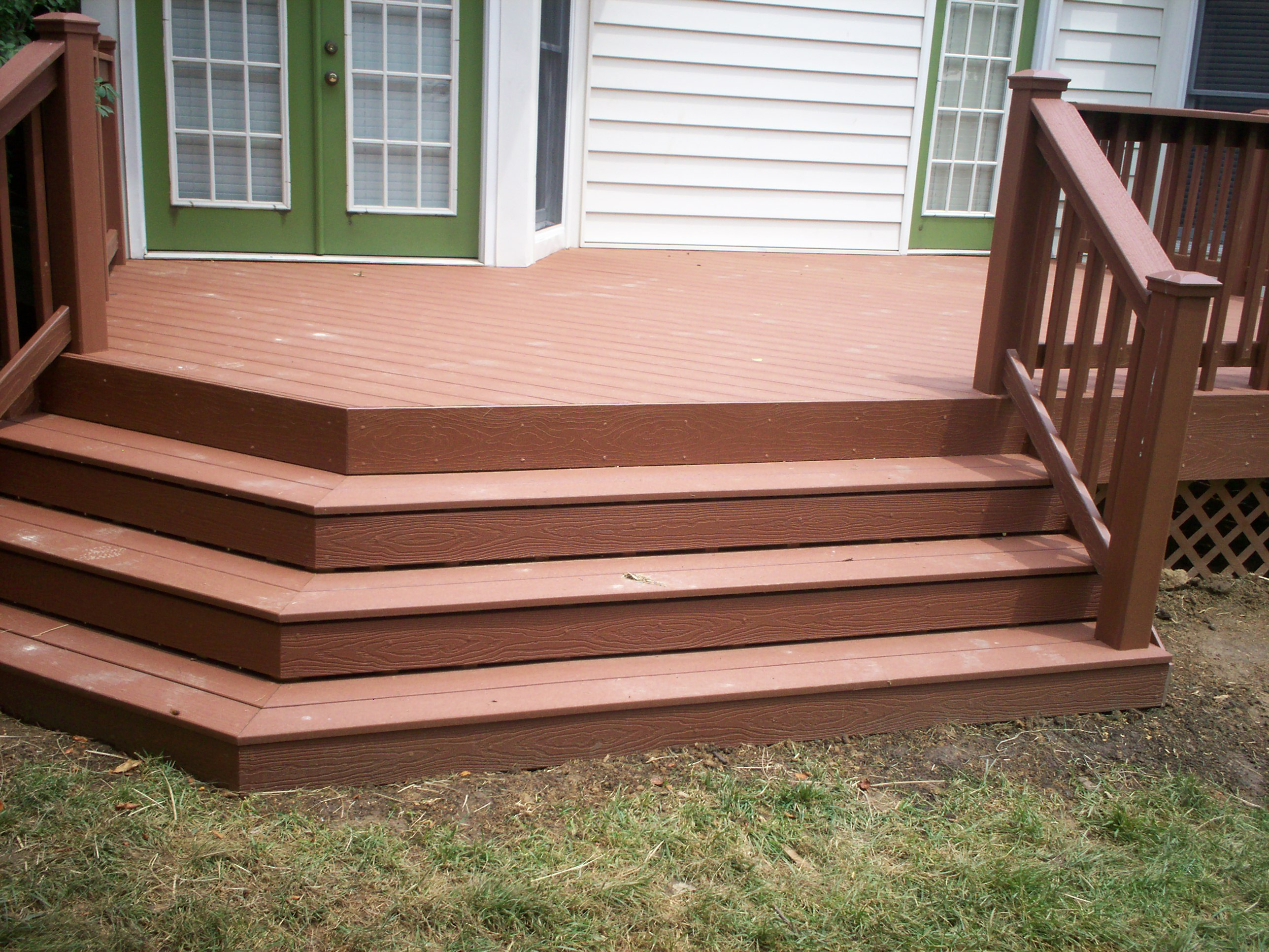 EverGrain Composite Deck With Flared Stairs In Chesterfield, Mo