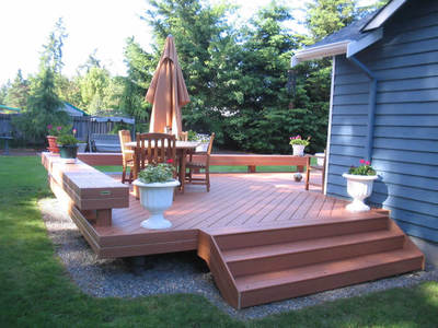 Composite Deck Stairs For Platform Deck With Benches