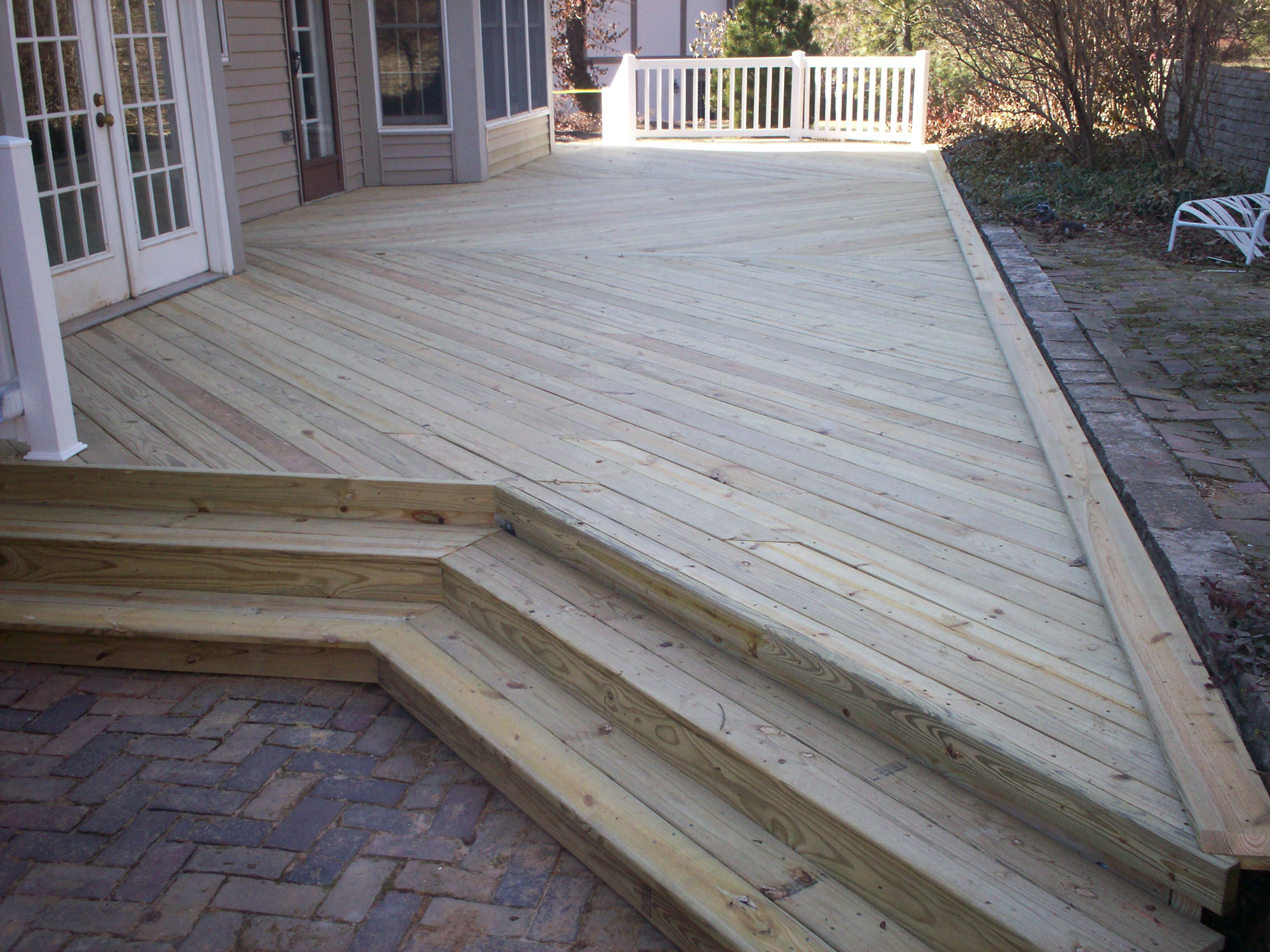 Nice Platform Wood Deck Steps With An Angle In St. Louis, Mo