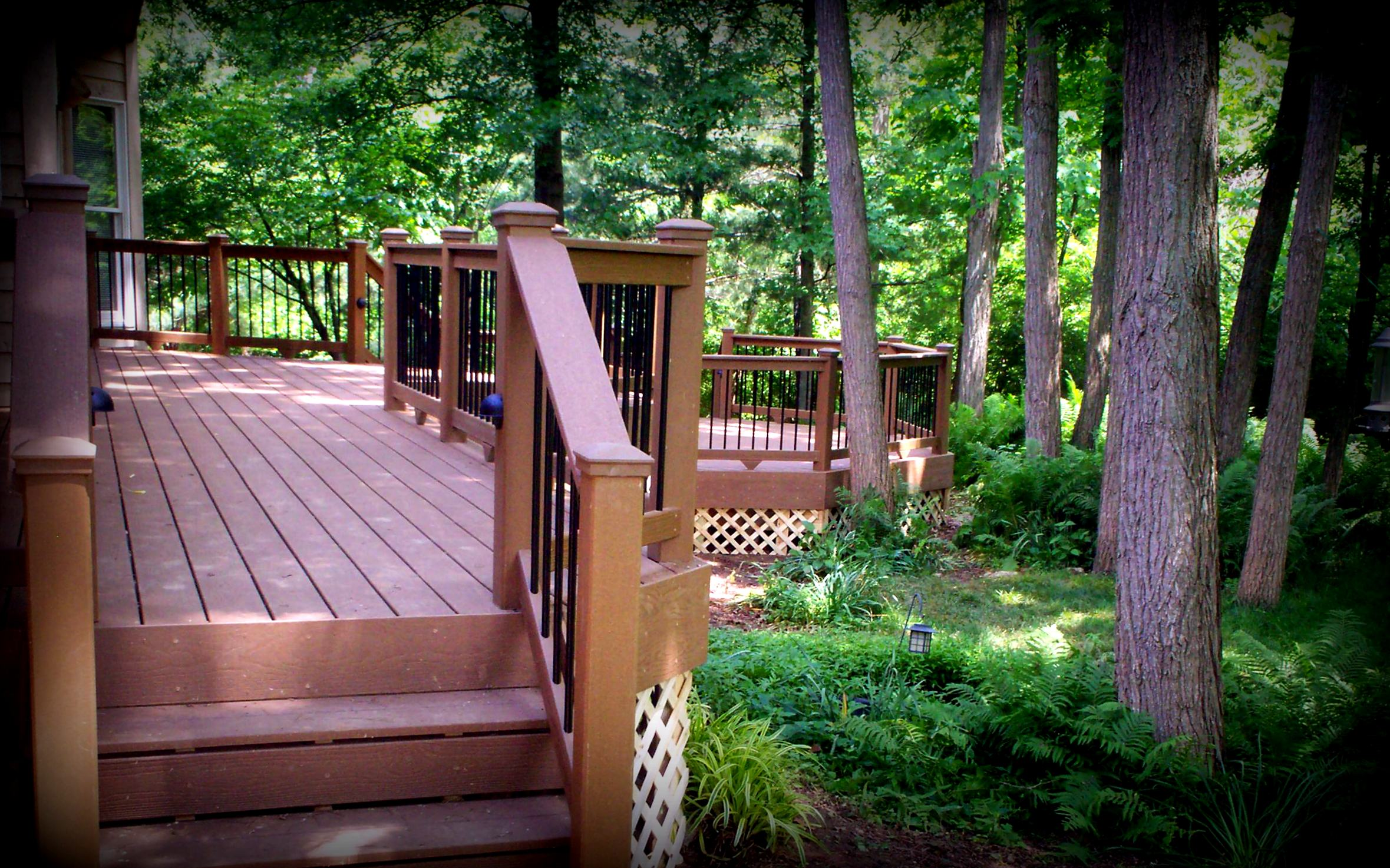 Decks that go hand in hand with sloping land st louis for A perfect image salon chesterfield mo