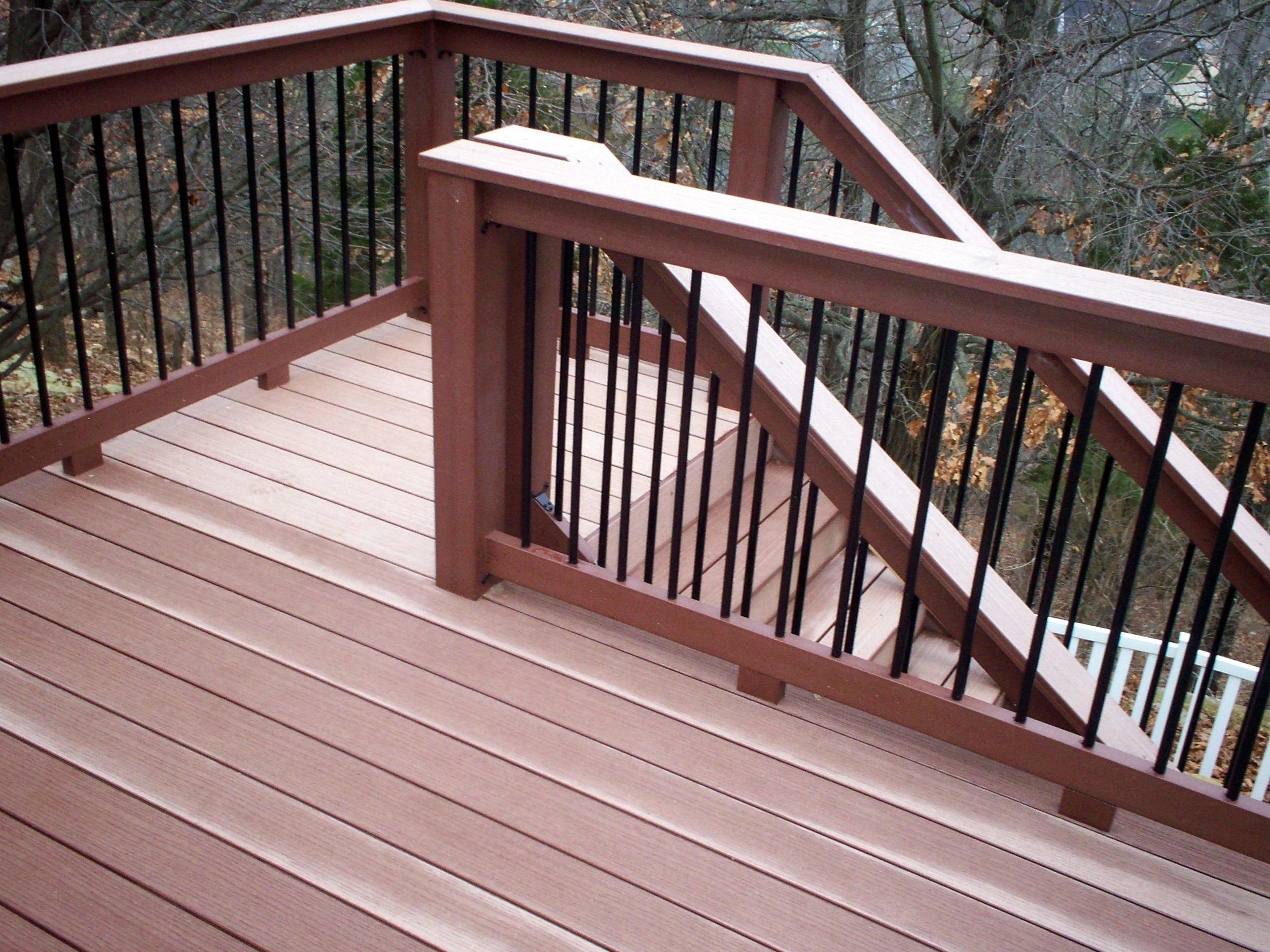 St louis mo trends for outdoor living in 2013 st for Composite deck railing