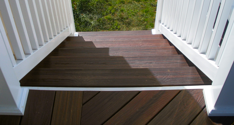 St louis deck builder the upside of low maintenance for Low maintenance decking