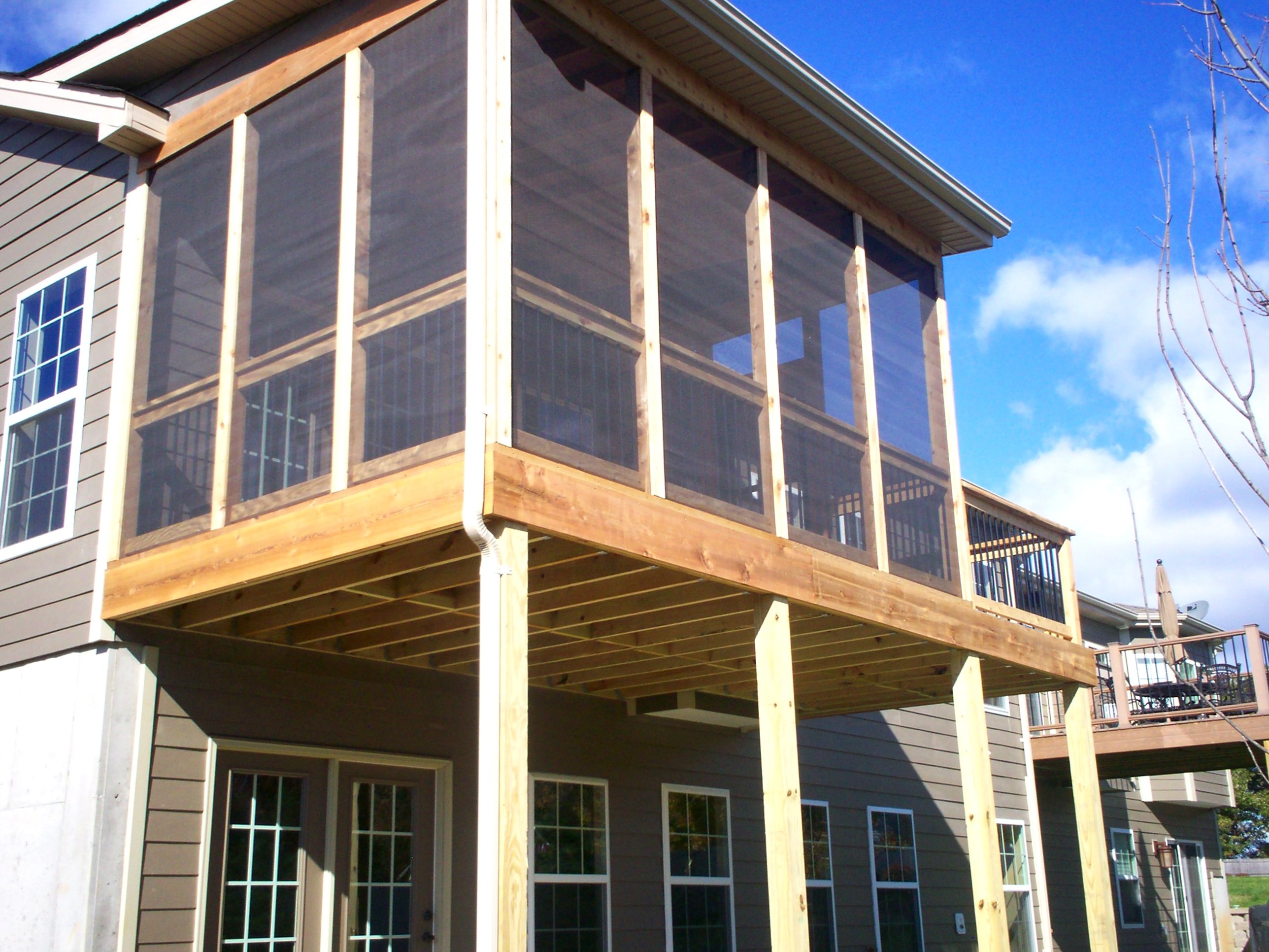 Choosing a st louis deck contractor st louis decks for Shed roof screened porch