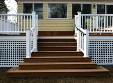 Deck with Square Vinyl Lattice by Archadeck