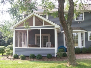 Screen Porch with Kneewall Rails, by Archadeck