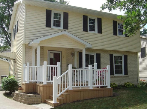 Front Porch Deck with Curb Appeal by Archadeck