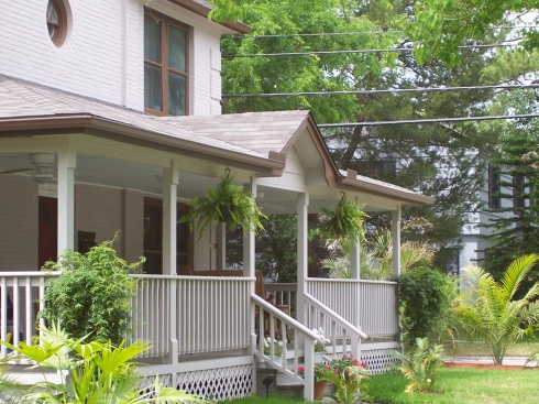 Front Porch with Plants, Project by Archadeck