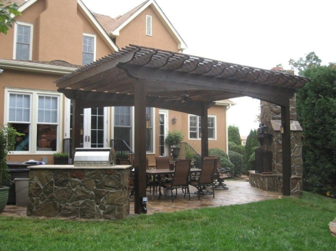 Large Wooden Pergola Creates an Outdoor Dining Room, project by Archadeck