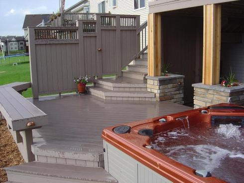 Deck with Spa and Privacy by Archadeck