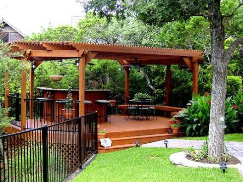 Small Raised Deck for Dining, Lattice Skirting and Pergola by Archadeck