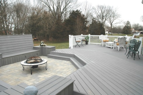 Single Plane Deck with Sunken Patio, Built-in Benches and Planters, by Archadeck