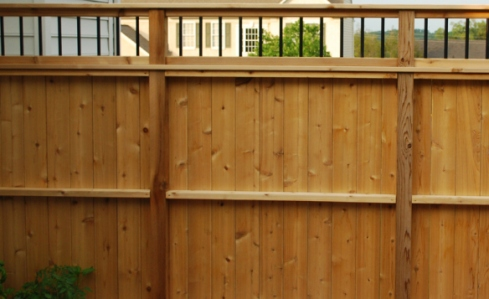 Deck Privacy Rail with Small Decorative Balusters, by Archadeck