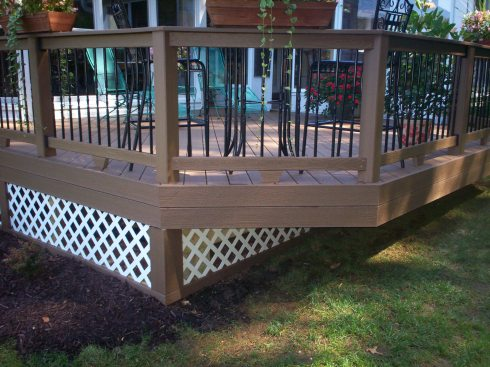 Low Deck with Lattice, St. Louis Mo, by Archadeck
