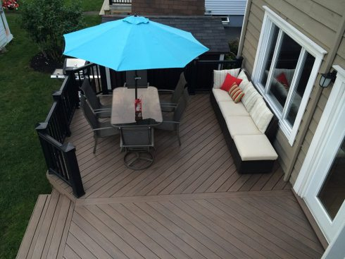 TimberTech Decking with Contrasting Black Rails and Balusters by Archadeck