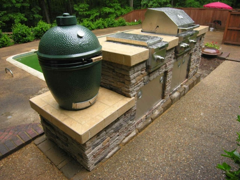 Outdoor Kitchen with a Big Green Egg, photo by Archadeck