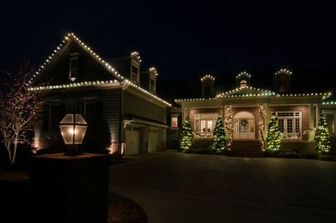 Roofline Holiday Lights for Curb Appeal by Outdoor Lighting Perspectives