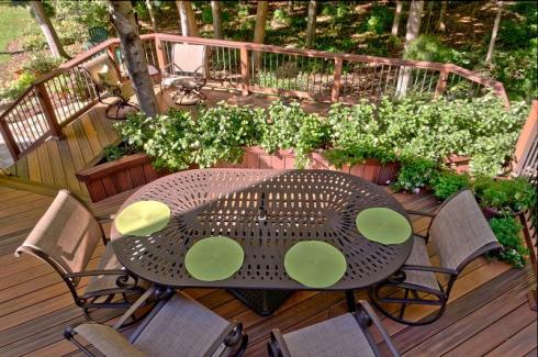 Deck with Large Built-in Planter by Archadeck