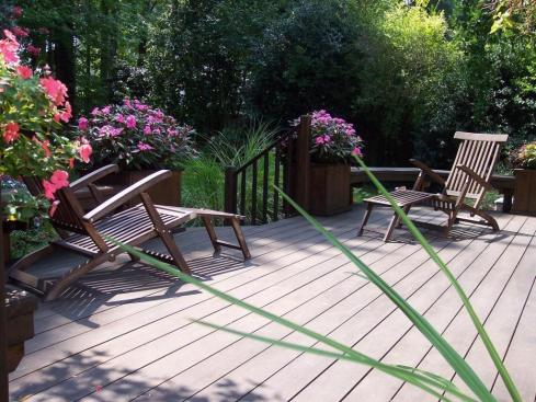 Deck with Planters, by Archadeck
