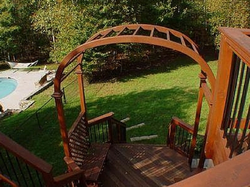 Arbor for Multilevel Deck by Archadeck